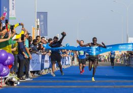 Perfect conditions and cheering crowds welcome Al Mouj Muscat Marathon runners
